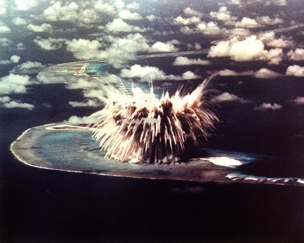 Bombing of atoll 2